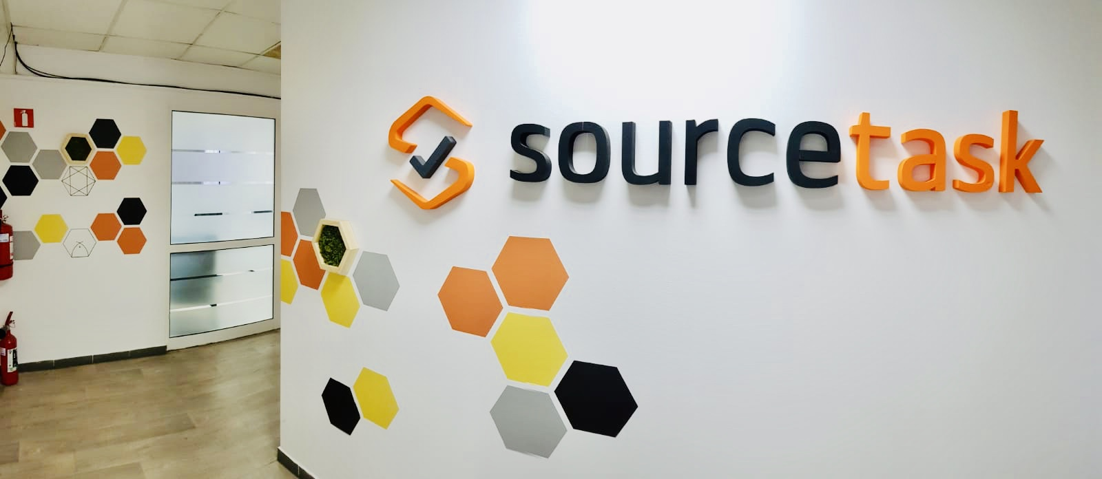 logo source task